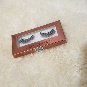 Brand New Lily Lashes